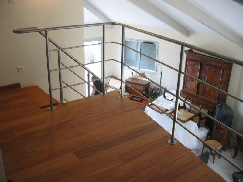Cr ation d 39 un escalier d billard en bois et metal aix for Garde meuble aix en provence